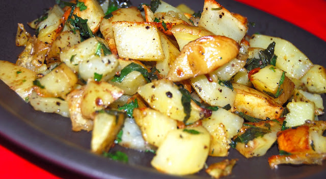 Easy vegan recipe for minty roasted potatoes