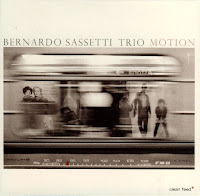 Bernardo Sassetti Trio: Motion (2010)
