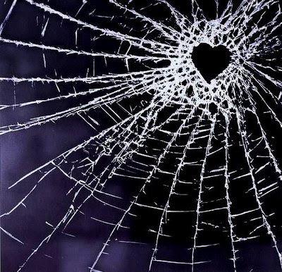 corazones rotos de amor. poemas. corazones rotos