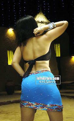 hot indian actress nikitha s panty line visible