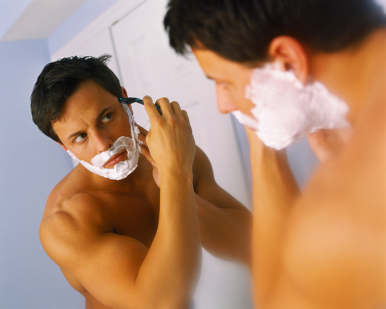 http://2.bp.blogspot.com/_Z4iX5vvg9jQ/TEkJXuOE6rI/AAAAAAAAAL0/RSASb2lMj7Y/s1600/shaving.jpg