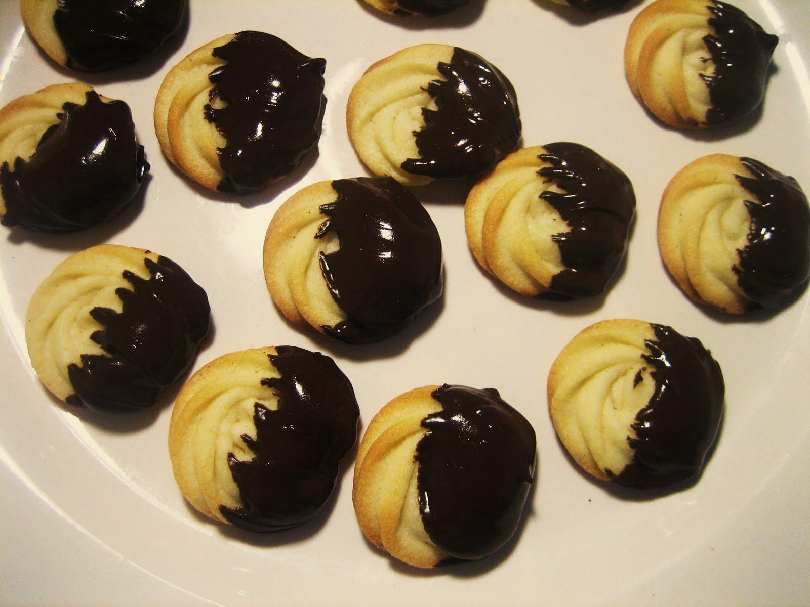 Chef Tess Bakeresse: Evil Italian Butter Cookies
