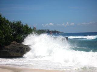 Nusa Lembongan Wave Plumes
