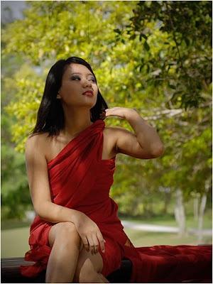 foto telanjang model gadis mahasiswi abg cantik bugil