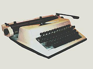 Продажа пишущей печатной машинки Любава. ФОТО