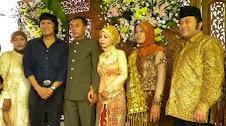hadir di Pernikahan Pendukung Utama Pilkada Lamsel 2010