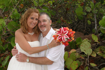 Texans Celebrate Silver Wedding Anniversary in Grand Cayman - image 1