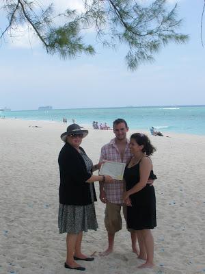 Impromptu Grand Cayman Cruise Wedding was quite unusual - image 3