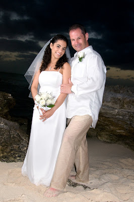 Fantastic Cayman Sunset Wedding for Tampa Couple - image 1