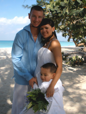 From the North Pole to Sunny Cayman- Vow renewal for US soldiers - image 3