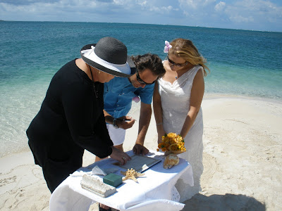 Wonderful Cayman Wedding at Starfish Point, Grand Cayman - image 3