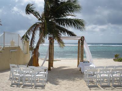 Cayman Beach Wedding with Unity Sand Ceremony - image 1