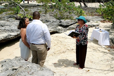 Canadians Choose Grand Cayman for Cruise Beach Wedding - image 3