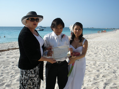 Grand Cayman Marriott Beach Wedding for Residents - image 4