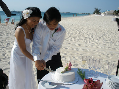 Grand Cayman Marriott Beach Wedding for Residents - image 6