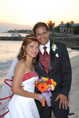 Colourful Cayman Wedding for Trinidadian Visitors - image 7
