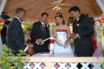 Colourful Cayman Wedding for Trinidadian Visitors - image 4