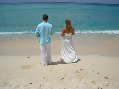 Barefoot Beach Wedding for Cruisers to Cayman - image 8