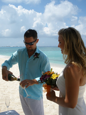 Barefoot Beach Wedding for Cruisers to Cayman - image 5