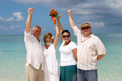 Cayman Islands Beach Wedding was Enchanting for Canadian Cruisers - image 4