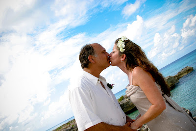 Beautiful Cruise Wedding at My Secret Cove, Grand Cayman - image 8