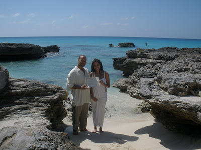 Simple Cayman Beach Wedding for Seattle Cruisers - image 5