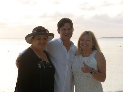 Louisiana Couple Marry in Romantic Sunset Grand Cayman Wedding - image 5