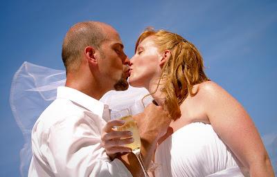 The Tropical Spendour of a Cayman Beach Wedding - image 5
