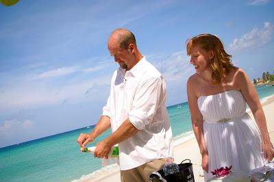 The Tropical Spendour of a Cayman Beach Wedding - image 4