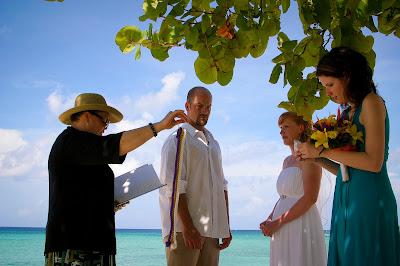 The Tropical Spendour of a Cayman Beach Wedding - image 1