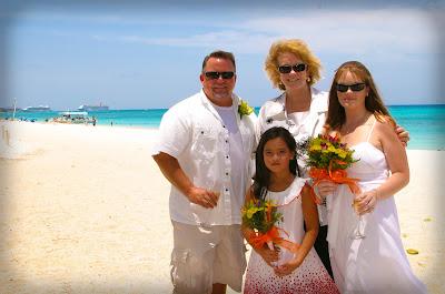 Pensacola Wedding Pair Choose Cayman's Turquoise Water - image 7