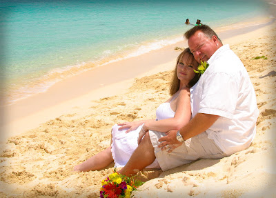 Pensacola Wedding Pair Choose Cayman's Turquoise Water - image 6