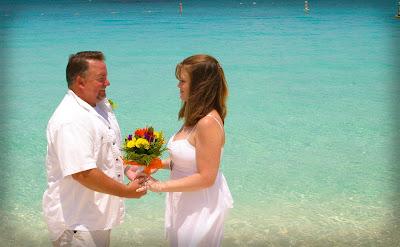 Pensacola Wedding Pair Choose Cayman's Turquoise Water - image 5