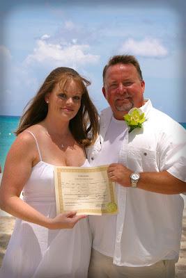 Pensacola Wedding Pair Choose Cayman's Turquoise Water - image 2