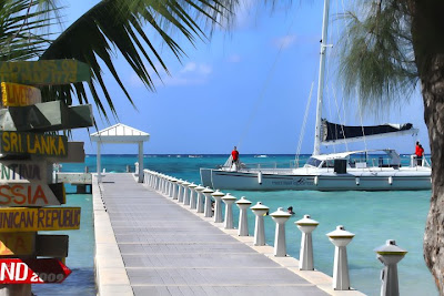 The Daniels Family hosts a Grand Cayman Wedding - image 1