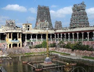 Temple towers and porthamaraikulam