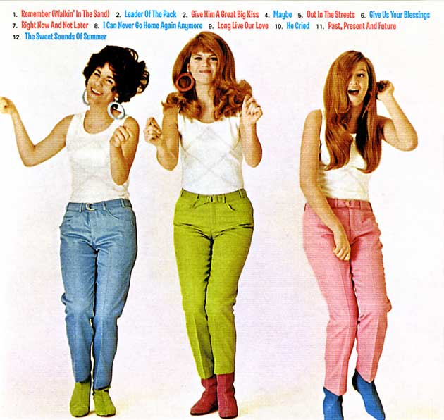 Ronettes, The - Walking In The Rain / How Does It Feel?