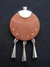 Colgante plata incrustada en picoyo, campanas (87)