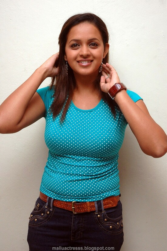 Malayalam actress: Bhavana in tight jeans and t-shirt stills