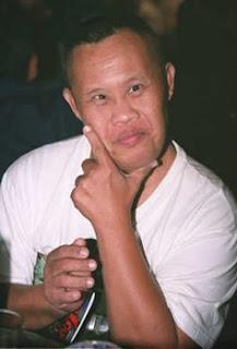 http://2.bp.blogspot.com/_ZG9BHcaP-SI/SUU-YIy6PvI/AAAAAAAACMM/SfFrKxeJl1U/s320/Sayan-Doksadao-Thai-comedian.jpg