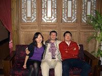 増琦 (Luna), I and 俊锋 (Jung-Feng) at 巴国布衣 (Ba Guo Bu Yi restaurant)