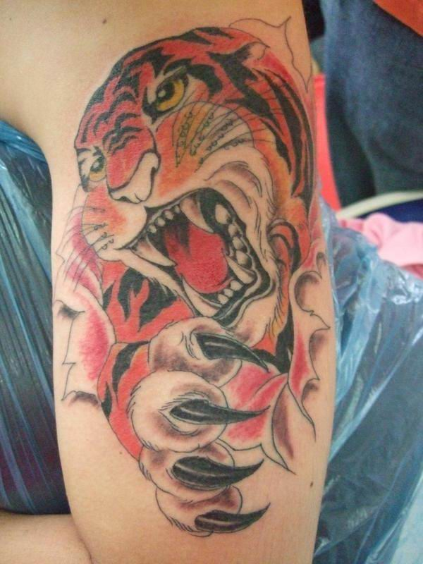 3d%2Btattoo%2Btiger,%2Barm%2Bupper%2Btattoo Tags: Charlize Theron blue film pics, Charlize Theron nude pictures, ...