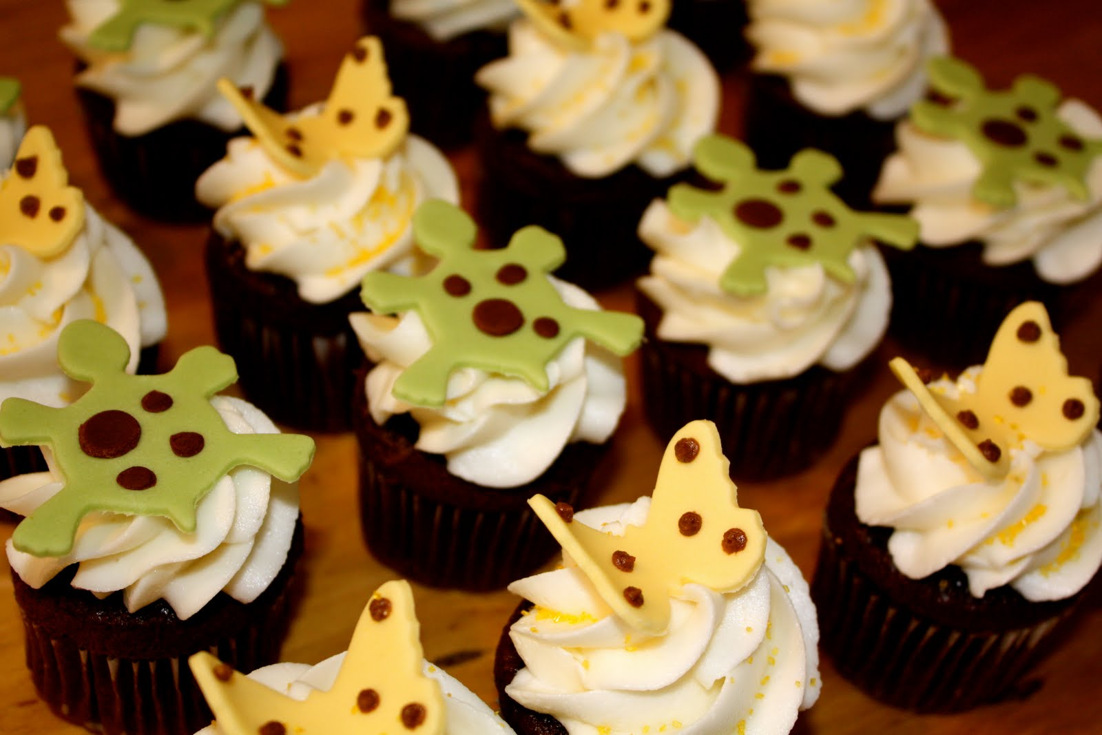 Bumble Cakes Best Baby Shower Cupcakes