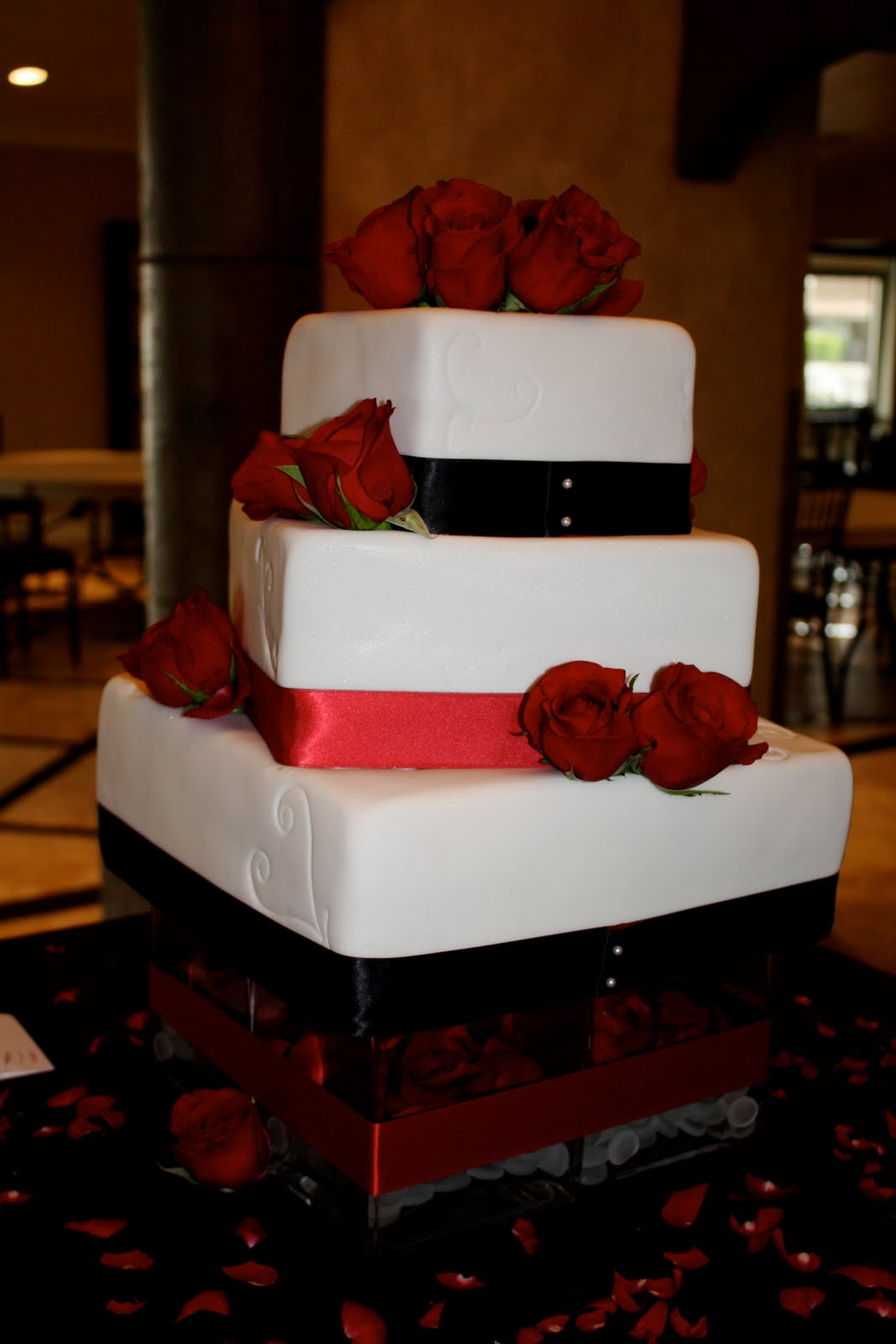 Bumble Cakes Jessica Brent Black Red And White Wedding