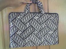 Contoh Souvenir Kami : Tas Laptop dari Batik (Exclusive), 33 Cm X 22 Cm