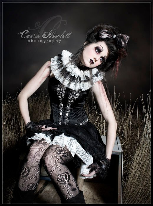 gothic makeup ideas. Strong dark goth make up with
