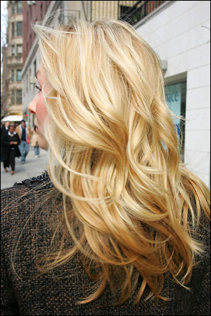 blonde highlights in dirty blonde hair. londe hair with lowlights and