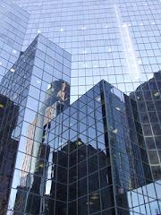 Riflessi sul grattacielo