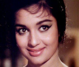 Kareena Kapoor fit for my Teesri Manzil's role: Asha Parekh