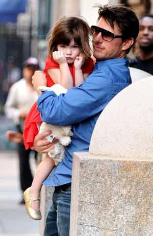 tom cruise daughter. Hollywood actors Tom Cruise